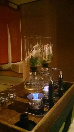 Shoheiso: 手長海老と清助どんこのサイフォンスープ
