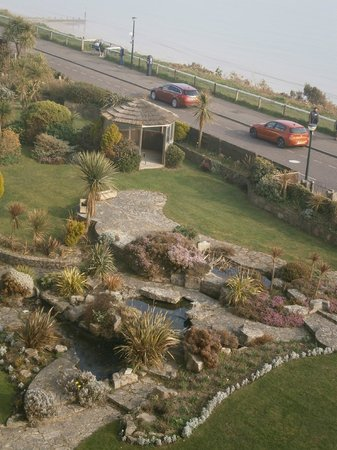 Hallmark Hotel Bournemouth Carlton : View of gardens