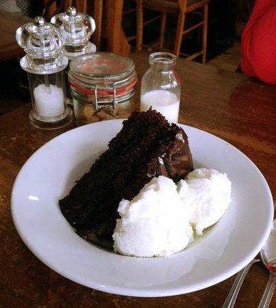 Heaven Scent: Chocolate Cola Cake