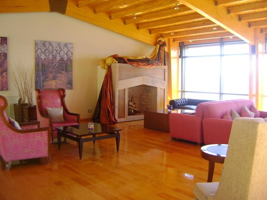 Alma del Lago Suites & Spa: Sala junto al Bar Mitico