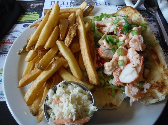 Bluenose 2 Restaurant : Best Lobster Roll