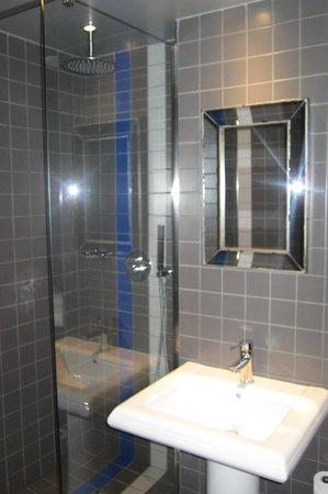 Hôtel Mademoiselle : great shower