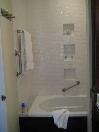 Jamaica Inn: Bathroom