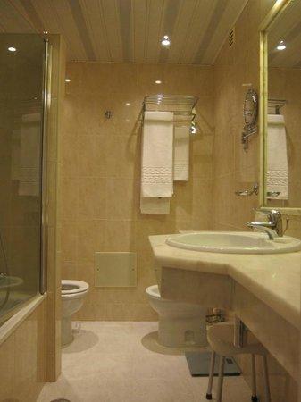 Eurotel Altura: bathroom