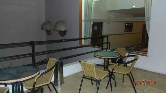 Select Hotel Piriapolis: terraza comun