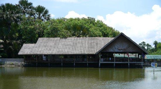 Papa Kit's Marina & Fishing Lagoon: papa kits