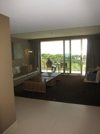 Sao Rafael Atlantico: sitting room in suite