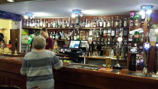 George & Abbotsford Hotel: Bar