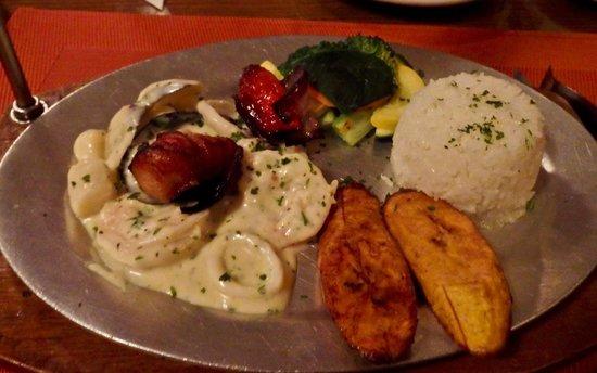 Gostoso : Espetada a la Marinera (Grouper Kebab), Gosotoso Restaurante, Aruba
