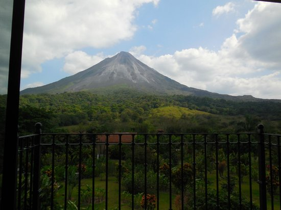 Arenal Kioro Suites & Spa : View from inside the room