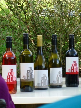 Fullers - Wine on Waiheke Tour : top knot hill wines
