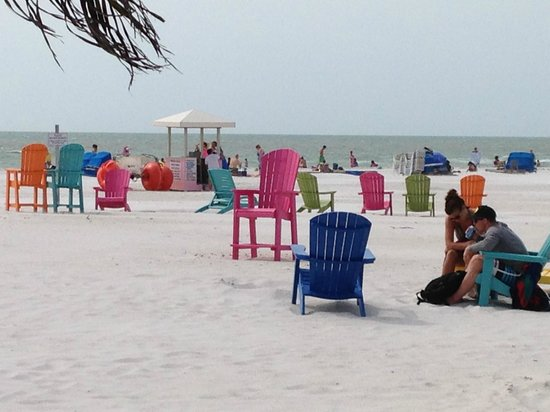 Plaza Beach Hotel - Beachfront Resort: Chairs from guests