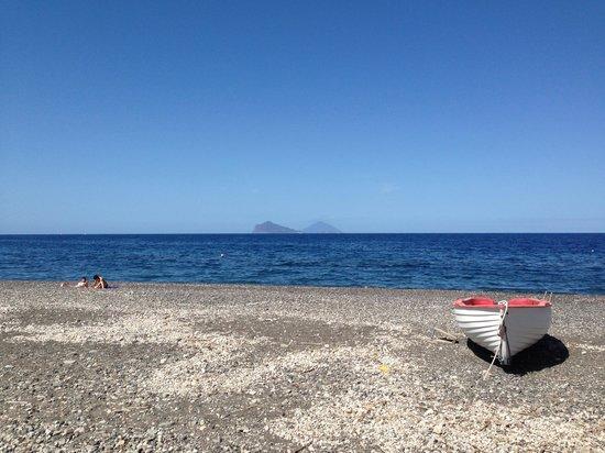 Canneto di Lipari, Italy: Canneto beach