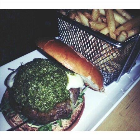 56 North: burger!