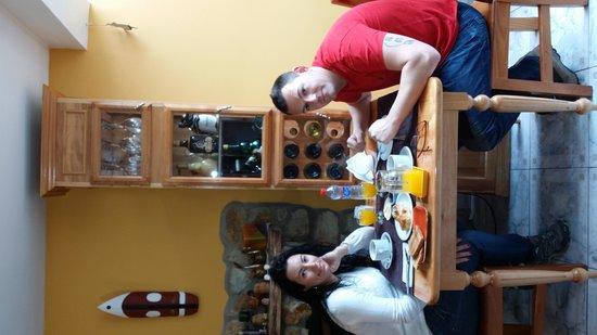Mysten Kepen B&B: desayunando