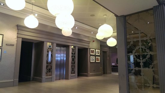 Crieff Hydro Hotel and Resort: Lobby outside 'The Miekle'