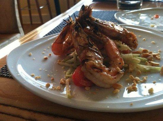 Dazoo: Grilled Kaui prawns on a green papya salad w/ nuoc cham