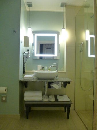 Mercure Arbat Moscow: Bathroom