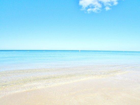 Combate Beach Resort : Combate Beach