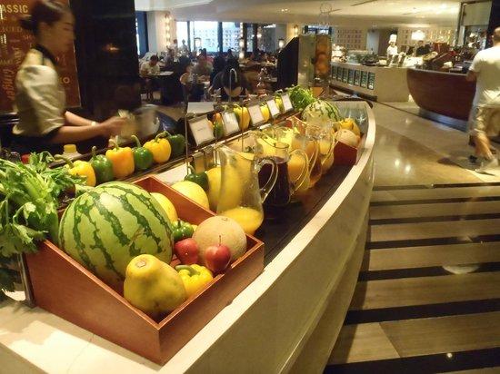 Sofitel Philippine Plaza Manila: Breakfast Buffet
