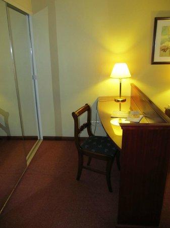 Plaza Real Suites Hotel: Habitación