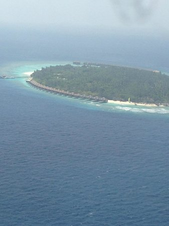 Dusit Thani Maldives: Hotel/Island from the Sky