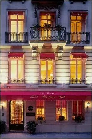 Hotel Residence Foch: Small hotel, in a quiet street, but near many of Paris attractions