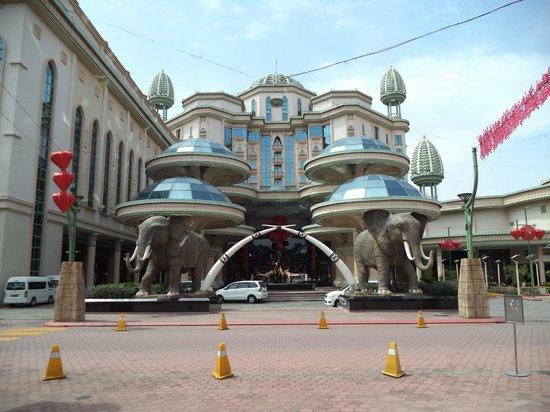 Sunway Resort Hotel & Spa: The main entrance