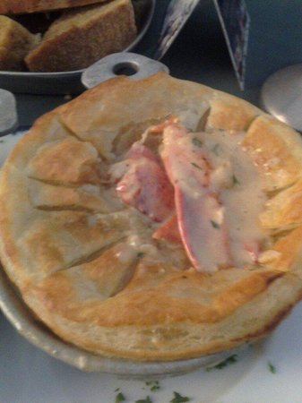 City Tavern: Tavern Lobster pie