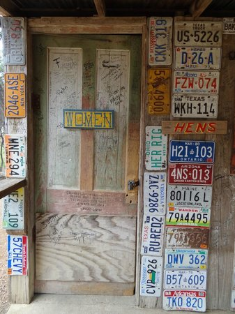 Luckenbach Texas General Store : Entrance to lady's restroom.