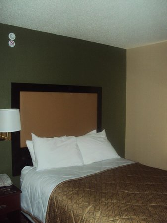 Extended Stay America - Mt. Olive - Budd Lake : Bed (Very Comfortable)