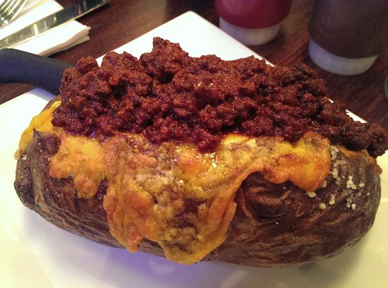 Mara's Homemade: Baked potato with Texas chili