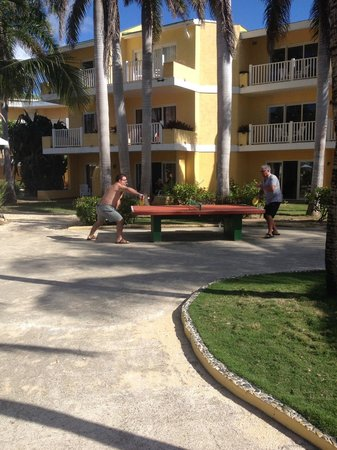 TRYP Cayo Coco: Pool side ping-pong.  rooms in the background