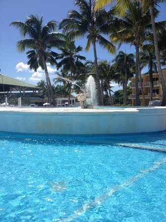 TRYP Cayo Coco: Water fountain in pool