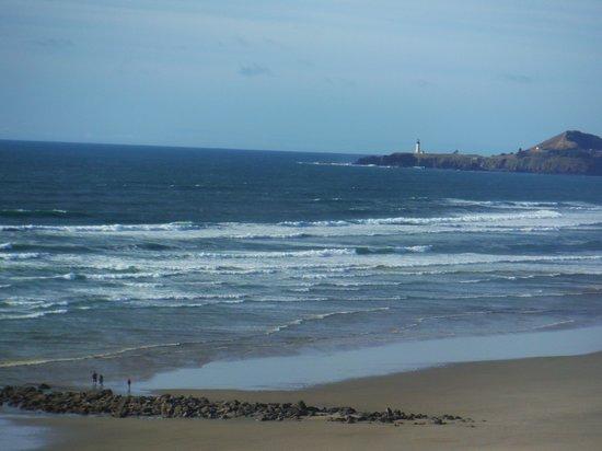 Elizabeth Oceanfront Suites: The coastal view