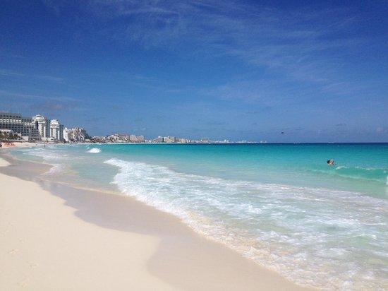 The Royal Islander: The beach