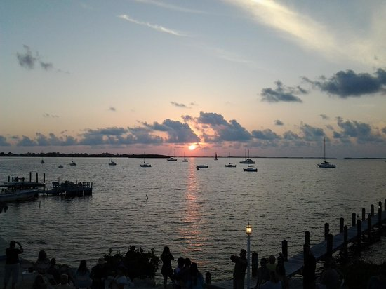 Bayside Grille & Sunset Bar : The sunset....