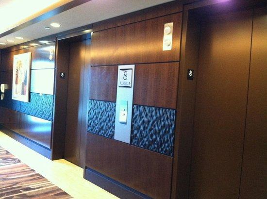 Harrah's Resort Southern California : New resort tower elevators