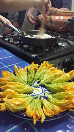 Alma de mi Tierra Cooking School: Squash Blossoms