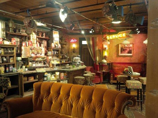 Warner Bros. Studio Tour Hollywood : The Friends set