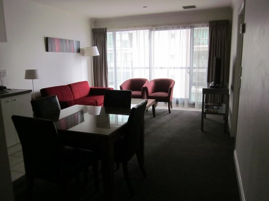 CityLife Auckland: Suite - living room