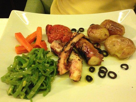 The Wine House Hotel & Restaurant: Um dos pratos maravilhosos servidos lá.