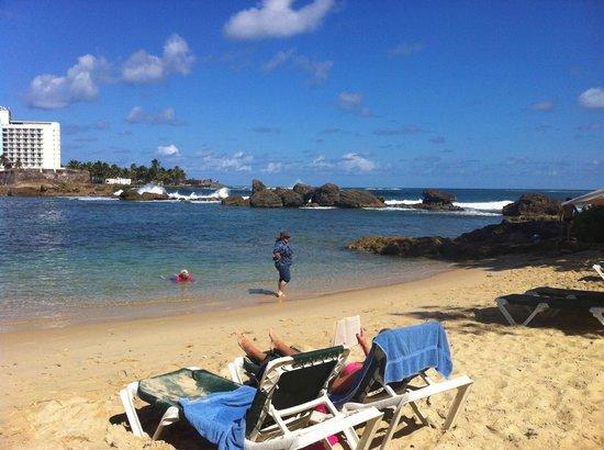 The Condado Plaza Hilton : Lagoon at beach level