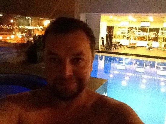 Holiday Inn Guayaquil Airport: La piscina en el piso 3