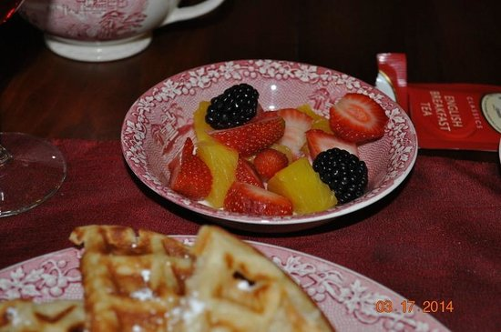 White Birches Inn : Fresh Fruit at Breakfast