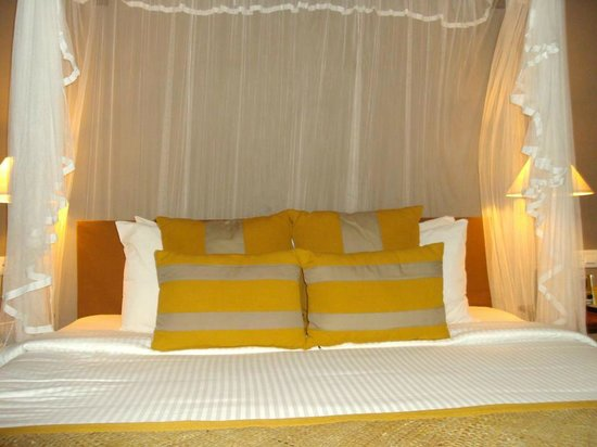 Cinnamon Wild Yala : Our Bed    Room No108