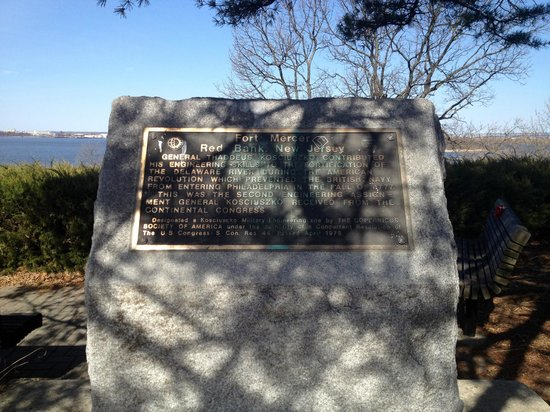 Red Bank Battlefield Park : Fort Mercer was designed by Kosciuszko