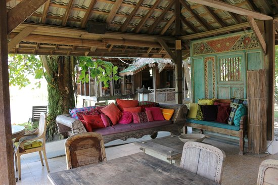 Bon Ton Resort: Nam restaurant, designed for lounging