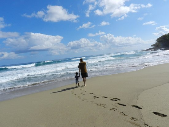 Natura Cabana Boutique Hotel & Spa : Well maintained beach