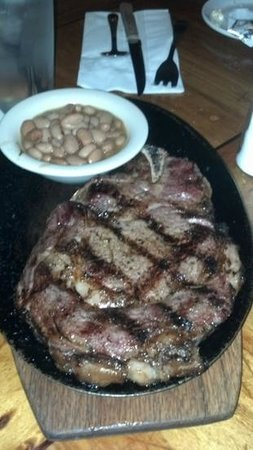 Silver Saddle Steak House: Bone in rib-eye/cowboy beans.